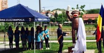 emil-boc-dezvelire-statuie-maimuta