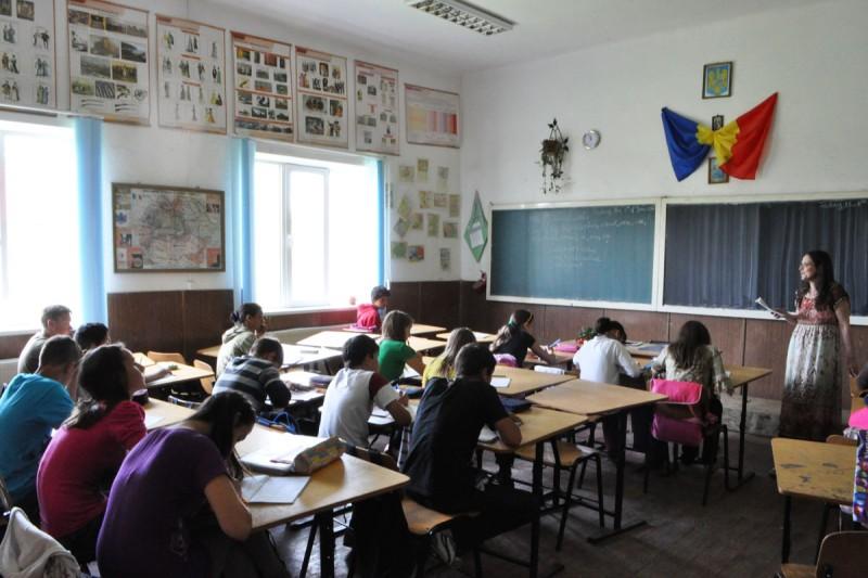 Sibiu – ISJ monitorizează dinamica scenariilor de funcţionare a unităţilor de învăţământ