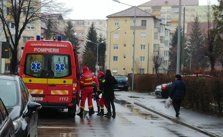 Barbat in varsta de 90 de ani, cazut in casa, salvat de SMURD Sibiu