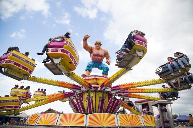 """OBOR FEST 2019  – cel mai mare parc de distractii din Transilvania 4 zile, 25 de """"tiribombe"""", 20.000 de mp , peste 50.000 de oameni."""