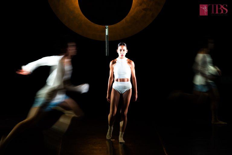 """Două coregrafii extrem de îndrăgite, în interpretarea Teatrului de Balet Sibiu, revin pe scena Centrului Cultural """"Ion Besoiu"""", vineri, 28 februarie, la ora 19:00."""