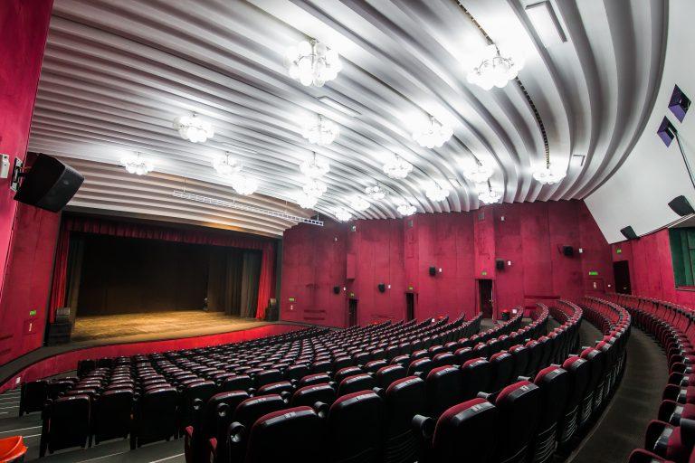 Sala Mare a Centrului Cultural ''Ion Besoiu'' se redeschide pentru publicul din Sibiu