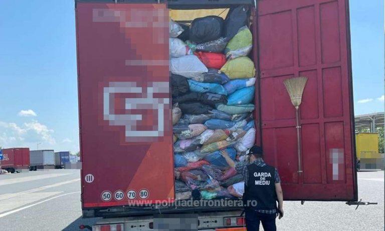 Opt automarfare cu deșeuri oprite sa intre în România, prin Punctul de Trecere a Frontierei Nădlac II